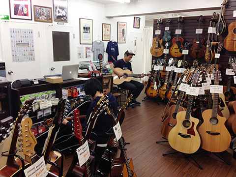 ラストギター店内